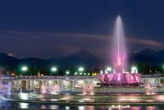 Fontana in sosta nazionale di Almaty immagini stock