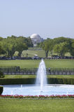 Fontana su prato inglese del sud della Casa Bianca  Immagini Stock Libere da Diritti