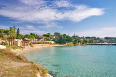 Fontane Bianche beach in Sicily. View of the little Camomilla bay along the fine sand beach of Fontane Bianche near Siracusa - Sicily stock photos