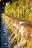 Fontane de Le cento um d'este da casa de campo em Tivoli - Roma Foto de Stock