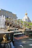 Fontane di Peterhof, Russia immagini stock libere da diritti