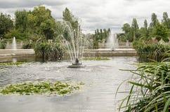 Fontane a Hyde Park, Londra fotografia stock libera da diritti