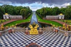 Fontane Peterhof di sonno fotografia stock