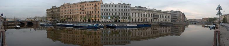 fontanka彼得斯堡码头河rus st 库存图片