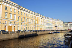 Fontanka河,圣彼德堡,俄罗斯的堤防 免版税图库摄影