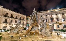 Fontanna Diana w Syracuse, Włochy obraz stock