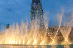 Fontanna Dubaj nocą zdjęcie stock