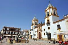 Fontanna Hercules i kościół Nasz dama Socorro, Ronda, Malaga prowincja, Hiszpania zdjęcia stock