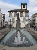Fontanna i ulica w Portugalia fotografia stock