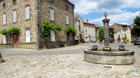 Fontanna - Lavadieu Haute Loire Francja Obraz Stock