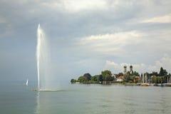 Fontanna na Bodensee Friedrichshafen Niemcy Obraz Royalty Free