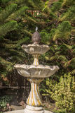 Fontanna od kolonialnego ogródu Fotografia Royalty Free