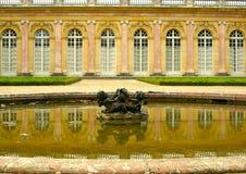 Fontanna przed Grande Trianon, Versailles Zdjęcie Royalty Free