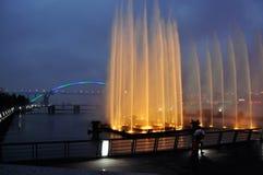 Fontanna przed Lupu mostem zdjęcia stock