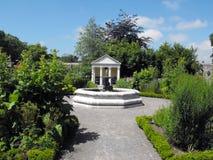 Fontanna przy Cowbridge Physics ogródu południowymi waliami Obraz Royalty Free