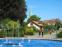 Fontanna przy wejściem Tradgardsforeningen. Linkoping. Szwecja obraz royalty free