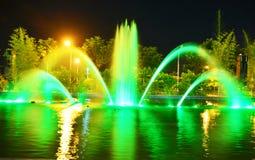 Fontanna w zieleni Fotografia Royalty Free
