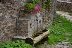 Fontanna wzdłuż ulic Kovachevitsa wioska Zdjęcia Royalty Free