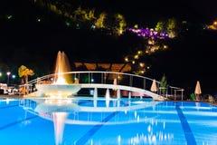 fontanny noc basenu woda Zdjęcia Stock