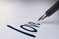 Fontanny pióra writing miłość Zdjęcie Stock
