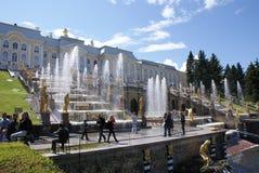 fontanny Statuy i zabytki St Petersburg Miasta St Petersburg architektura Fontanny w kwadratach i ulicach Fotografia Royalty Free