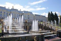 fontanny Statuy i zabytki St Petersburg Miasta St Petersburg architektura Fontanny w kwadratach i ulicach Zdjęcie Stock