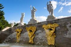 Fontanny Uroczysta kaskada w Peterhof Zdjęcie Royalty Free