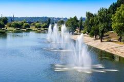 Fontanny w Kijowskiej Gromadzkiej Rusanovka fontann panoramie Kijów UK Fotografia Royalty Free