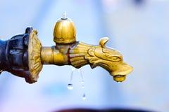 Fonte bebendo de torneira de água, Bialystok, Polônia Fotografia de Stock
