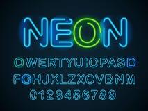 Fonte blu al neon Alfabeto inglese e cifre messi illustrazione vettoriale