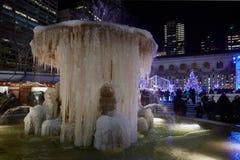 Fonte congelada em Bryant Park, New York fotografia de stock royalty free