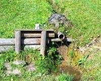 Fonte d'acqua naturale Fotografie Stock Libere da Diritti