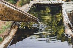 Fonte d'acqua nel canyon fotografia stock