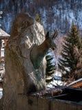 Fonte da escultura da cabra-montesa fotos de stock