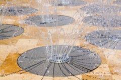 Fonte da mola de água do aço inoxidável fotos de stock royalty free