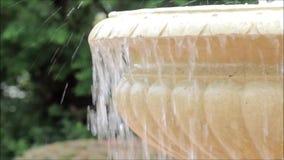 Fonte de água exterior video estoque