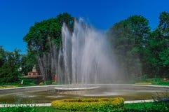Fonte de água no jardim zoológico de Kaliningrad Fotografia de Stock Royalty Free