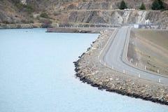 Fonte de energia renovável de central elétrica hidroelétrico em Nova Zelândia imagem de stock