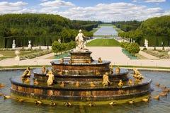 Fonte de Latona, castelo de Versalhes imagens de stock