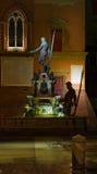 Fonte de Netuno em Noite Fotografia de Stock Royalty Free