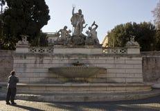 Fonte de Netuno em Praça del Popolo em Roma Foto de Stock