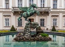 Fonte de Pegasus, jardins de Mirabell, Salzburg imagens de stock
