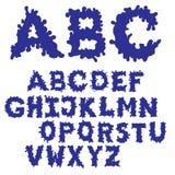 Fonte dell'inchiostro della chiazza riempita Fonte tipografica disegnata a mano di schizzo Insieme blu di alfabeto ENV 8 Immagini Stock