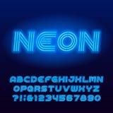 Fonte di alfabeto del tubo al neon Lettere e numeri di maiuscola al neon blu di colore illustrazione vettoriale