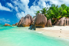 Fonte di Anse d'Argent - tiri sulla La Digue dell'isola in Seychelles Fotografie Stock