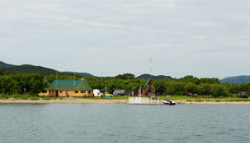 Fonte di fiume Ozernaya sul lago Kurile Parco naturale del sud di Kamchatka Immagini Stock Libere da Diritti