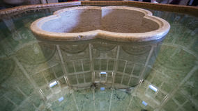 Fonte di pietra in battistero della città di Parma Fotografia Stock Libera da Diritti
