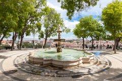 Fonte do ponto de vista de Pedro de Alcantara do Sao - Miradouro em Portug Imagem de Stock Royalty Free