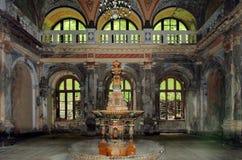 Fonte do século XIX - Baile Herculane - Romênia imagens de stock