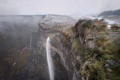 Fonte e cachoeira do rio de Nervion em Monte de Santiago, Burgos, Espanha imagens de stock